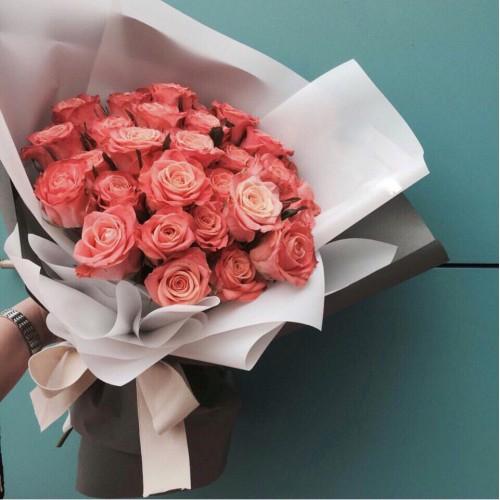 Купить на заказ Букет из 31 розовой розы с доставкой в Байконуре