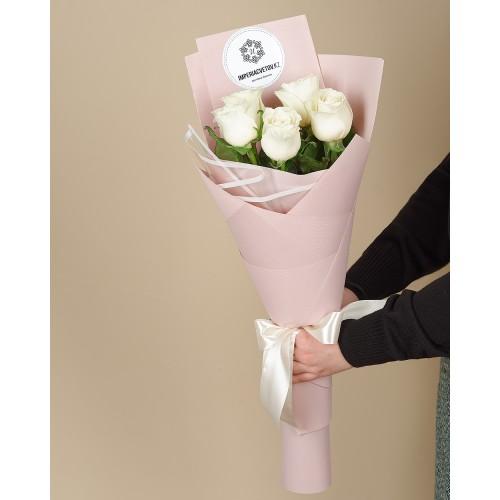 Купить на заказ Букет из 5 роз с доставкой в Байконуре