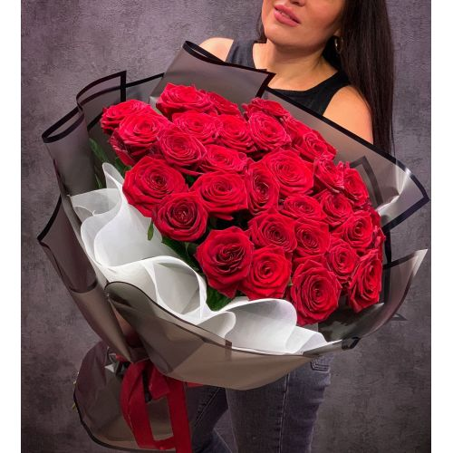 Купить на заказ Букет из 35 красных роз с доставкой в Байконуре