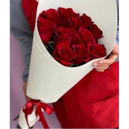 Купить на заказ Букет из 11 красных роз с доставкой в Байконуре