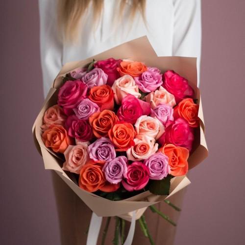 Купить на заказ Букет из 25 роз (микс) с доставкой в Байконуре