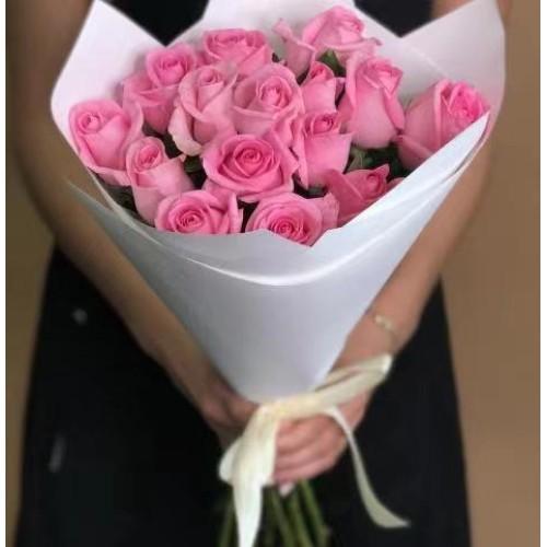Купить на заказ 15 розовых роз с доставкой в Байконуре