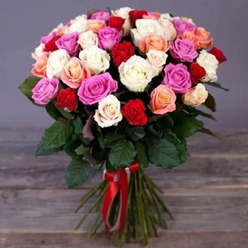 Купить на заказ Букет из 31 розы (микс) с доставкой в Байконуре